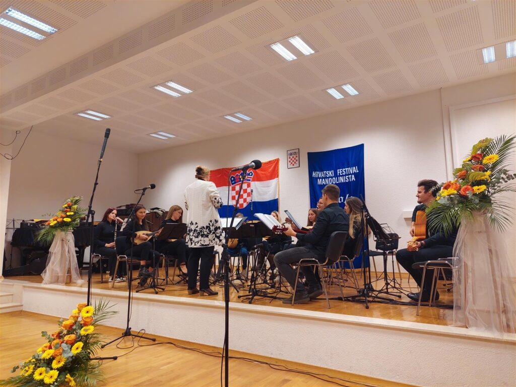 """Otvoren festival """"Mandolina Imota"""" – Imotski je grad kulture i povijesti"""