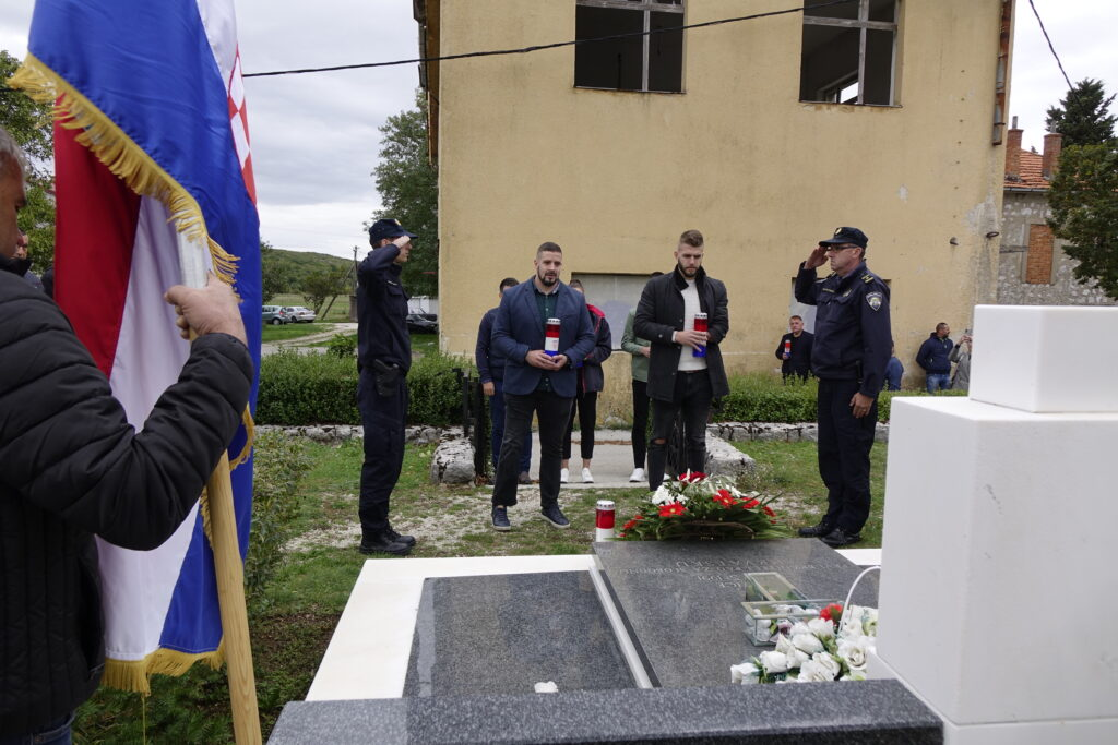 Osvajači Olimpijskih odličja posjetili Aržano i odali počast poginulim hrvatskim braniteljima