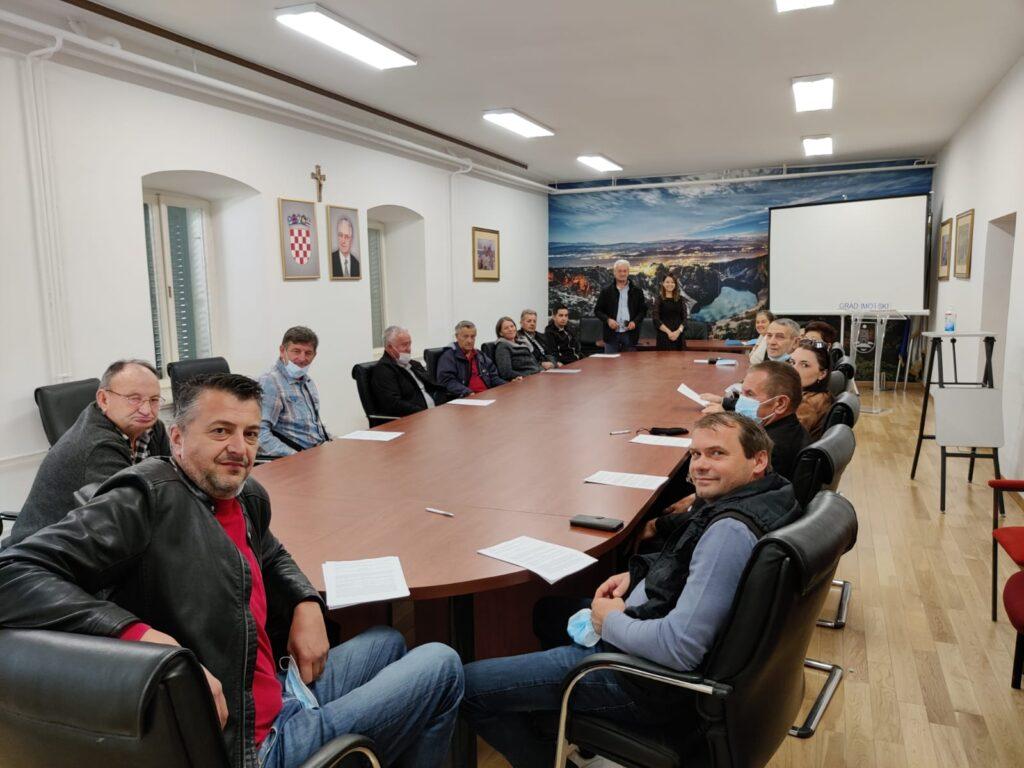 Potpisani ugovori za potporu poljoprivrednicima